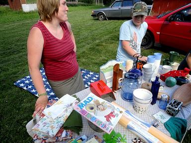 Bakluckeloppis på Adelsövallen – Kom och fynda fina saker eller var med och sälj ting som du använt färdigt