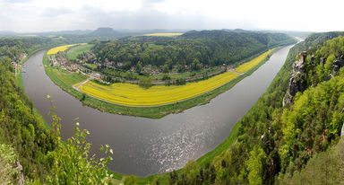 River Elbe bend panorama. Foto: CC BY-SA Thom Quine
